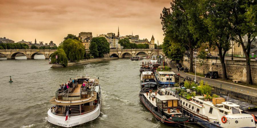 Bateaux et péniches sur la Seine